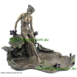 Art Nouveau LADY STEPPING WATER H20cm